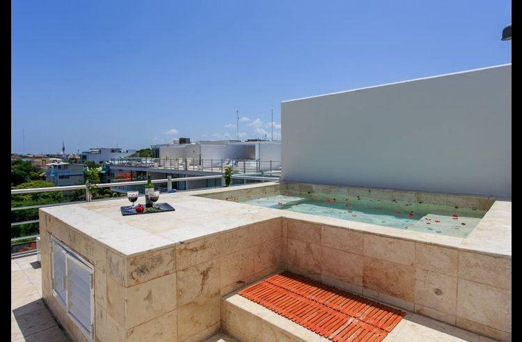 Your private rooftop pool