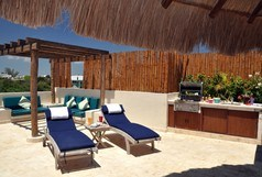 El Taj Beachside - Winner of Top 25 in Luxury in All of Mexico -Penthouse 2/2 Jacuzzi BBQ Beach Club Promo #312